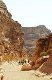 färgrikt fotvandra för kanjon arkivfoto