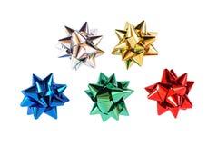 färgrikt gåvaomslag för bows Royaltyfri Fotografi