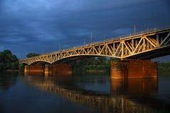 färgrikt gammalt för bro Arkivfoto