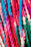 färgrikt garn Arkivfoto