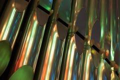Färgrikt glänsande organ i katolsk kyrka Royaltyfri Foto
