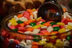 Färgrikt gummi i godis shoppar fotografering för bildbyråer