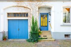 Färgrikt hus Arkivfoto