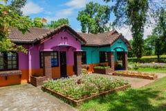 Färgrikt hus Arkivbild