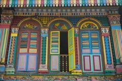 Färgrikt hus i lilla Indien Singapore Royaltyfri Foto