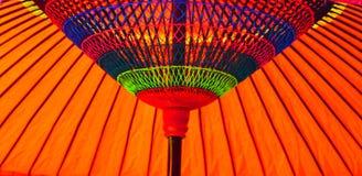 Färgrikt japanskt paraply Fotografering för Bildbyråer