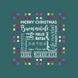 Färgrikt julhälsningkort som är skriftligt i flera språk engelska, grön färg för mossa Royaltyfria Foton