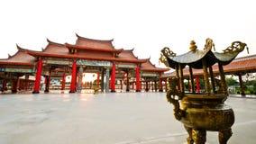 Färgrikt kinesiskt tempel Royaltyfria Bilder