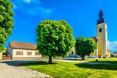 Färgrikt landskap i Koprivnica, Kroatien fotografering för bildbyråer