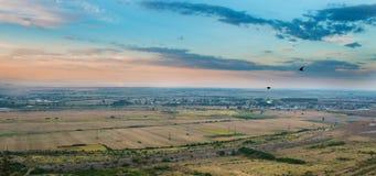 Färgrikt landskap på gryning Royaltyfria Foton