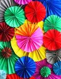 Färgrikt pappers- kvarter, färgbakgrund Royaltyfri Fotografi