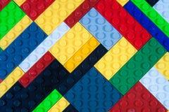 Färgrikt plast- byggnadskvarter royaltyfria bilder