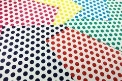 Färgrikt prickhantverkpapper Arkivbild