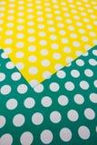 Färgrikt prickhantverkpapper Fotografering för Bildbyråer