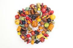 Färgrikt pryder med pärlor Royaltyfri Foto