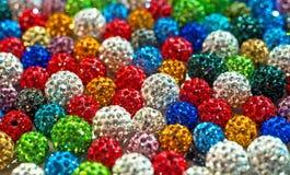 Färgrikt pryder med pärlor shamballa royaltyfri fotografi