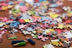 Färgrikt pussel på skrivbordet Royaltyfri Bild