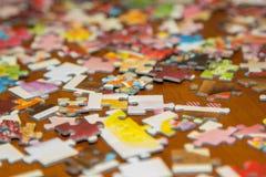 Färgrikt pussel på skrivbordet Royaltyfri Fotografi
