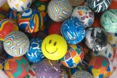 färgrikt stapelgummi för bollar Arkivfoton