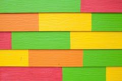 Färgrikt trä texturerar arkivbilder