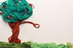 Färgrikt träd från trådar Arkivfoto