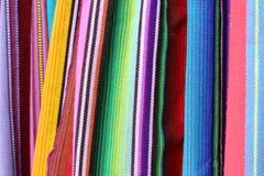 Färgrikt tyg från Latinamerika arkivfoton