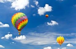färgrikt varmt för luftballong Arkivbild