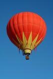 färgrikt varmt för luftballong Royaltyfri Fotografi