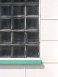 färgrikt vitt fönster för stad Royaltyfria Bilder