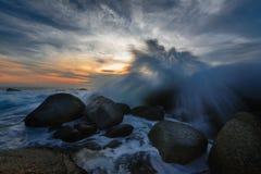 Färgstänk av vågen på seascape royaltyfria foton