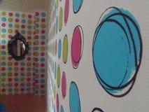 Färgvägg i hus Royaltyfria Foton