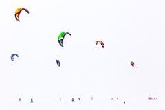 Färgvinter som kiteboarding Arkivbilder
