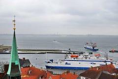 Färja från Helsingor till Helsingborg fotografering för bildbyråer