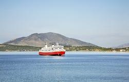 Färja från Korfu till Igoumenitsa Grekland Royaltyfri Bild