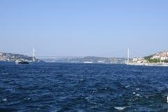 Färja i den istanbul bosphorusen, Turkiet Arkivbilder