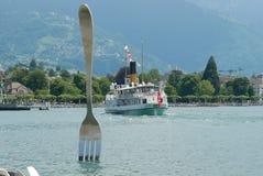 Färja och gaffel på Vevey royaltyfri fotografi
