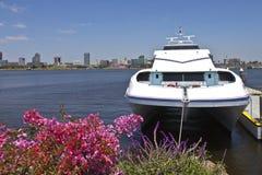 Färja som förtöjas nära Long Beach Kalifornien Royaltyfria Bilder
