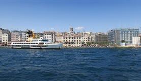 Färjaservice i Istanbul, Turkiet arkivbild