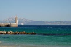 Färjaservice mellan den spanska kusten och Marocko till Tarifa Fotografering för Bildbyråer