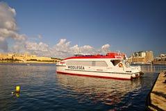 Färjer trans. på ön av Malta Royaltyfria Bilder