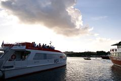 Färjer trans. på ön av Malta Royaltyfri Foto
