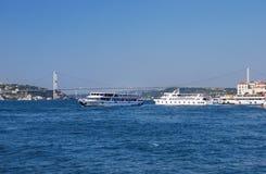 Färjor i Istanbul, Turkiet Royaltyfria Bilder
