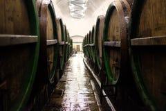Fässer für die Speicherung des Bieres Stockfotografie