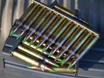 Fäster ihop av 5.56mm ammo Royaltyfria Bilder
