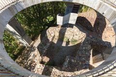 Fästning av den bulgariska tsar Samuel nära by av Kliuch, Blagoevgrad region, bulgariska Arkivbild