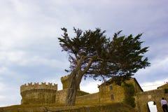 Fästning av Populonia, Tuscany Royaltyfri Fotografi