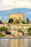 Fästning Capodimonte för Lazio bysjö royaltyfri bild