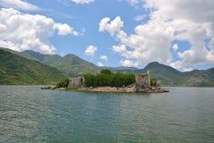 Fästning Grmozur - Skadar sjö Royaltyfri Foto
