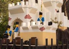 Fästning med soldater i Lego Royaltyfri Foto