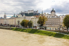 Fästning och medeltida byggnad Salzburg _ Royaltyfri Fotografi